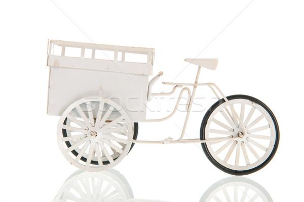 Beyaz taşıma bisiklet bağbozumu araba Stok fotoğraf © ivonnewierink
