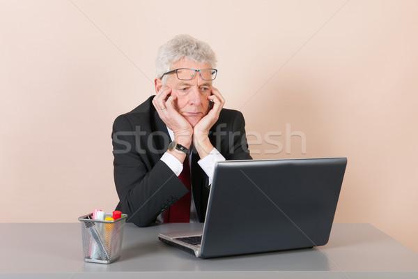 Senior homem escritório trabalhando laptop negócio Foto stock © ivonnewierink