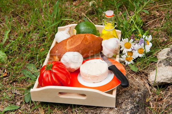 французский хлеб сыра овощей нефть Открытый трава Сток-фото © ivonnewierink