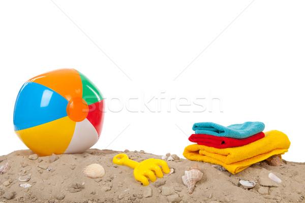 Beachball Spielzeug Muscheln Handtücher Sommer Sand Stock foto © ivonnewierink