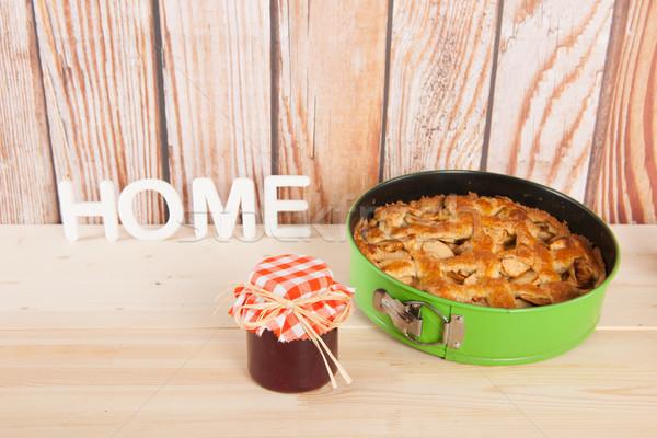 Házi lekvár almás pite gyümölcs fából készült fa Stock fotó © ivonnewierink
