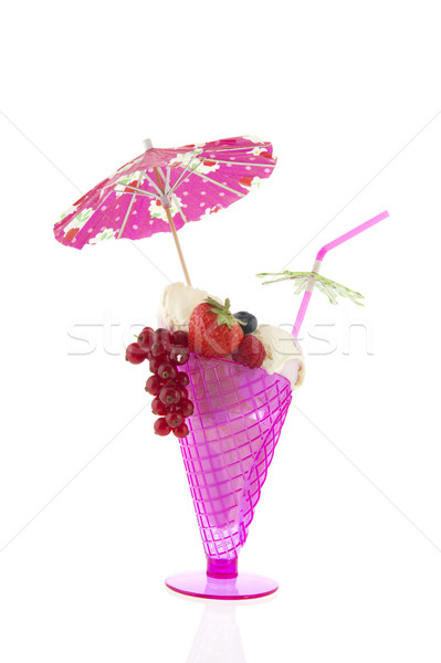 Rose verre sorbet glace vanille fruits frais Photo stock © ivonnewierink
