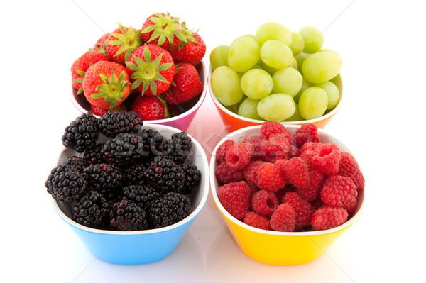 Fruits frais fraîches fruits d'été coloré bols isolé Photo stock © ivonnewierink