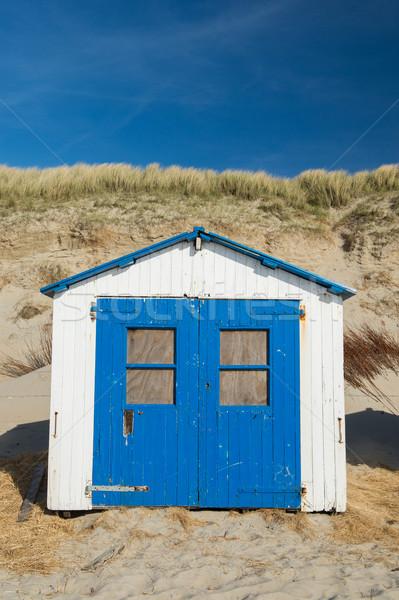 Kék tengerparti kunyhó fehér tengerpart fülke vakáció Stock fotó © ivonnewierink