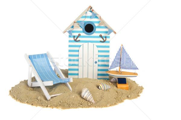 Tengerparti kunyhó vitorlázik csónak szék nyár homok Stock fotó © ivonnewierink