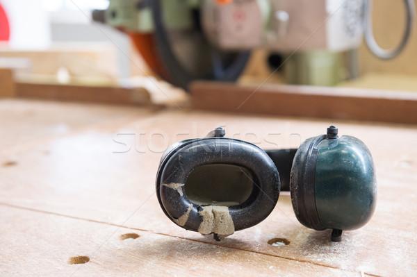 Ucha ochrony hałasu słuchawki głośno budowy Zdjęcia stock © ivonnewierink