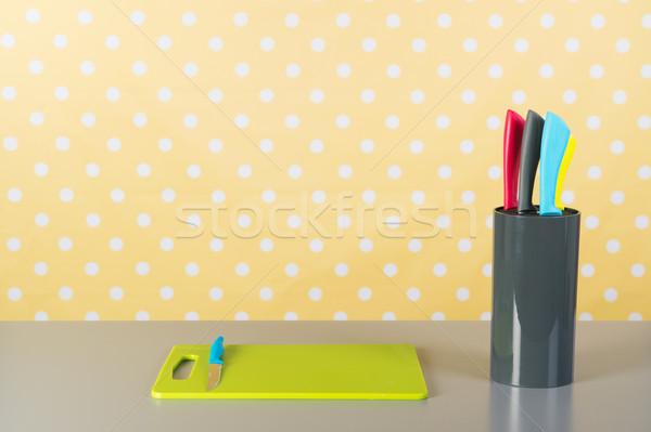 Tagliere coltello cucina giallo punteggiata verde Foto d'archivio © ivonnewierink