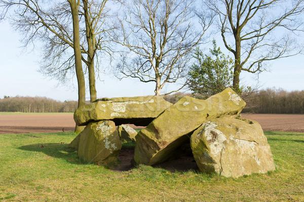 Típico holandés edad graves piedras Foto stock © ivonnewierink