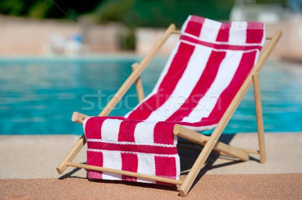 Tengerpart szék úszik medence törölköző sport Stock fotó © ivonnewierink