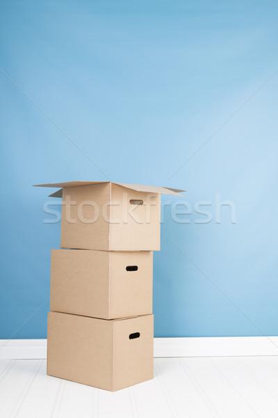 Verwijdering huis dozen interieur niemand bruin Stockfoto © ivonnewierink