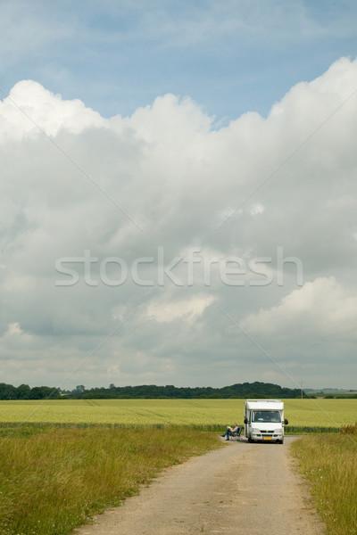 Zdjęcia stock: Komórkowych · domu · krajobraz · człowiek · samochodu