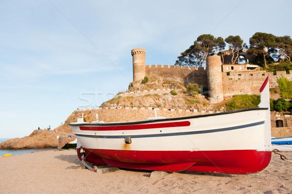 Vissersboot Spanje kasteel spaans kust strand Stockfoto © ivonnewierink