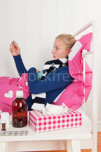 Hasta genç kız sıcaklık genç kız Stok fotoğraf © ivonnewierink