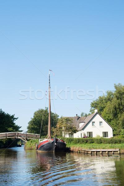 Barco holandés pueblo agua puentes paisaje Foto stock © ivonnewierink