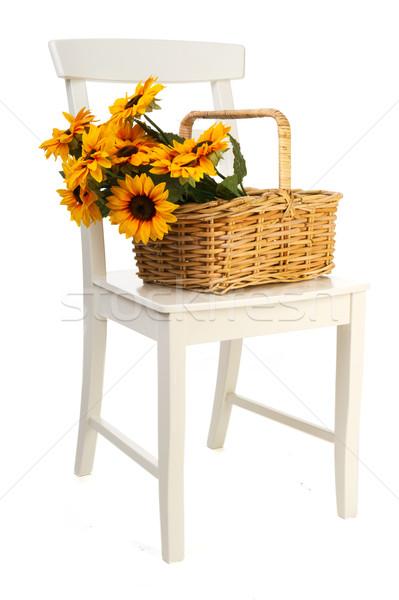 Foto stock: Romántica · naturaleza · muerta · girasoles · cesta · blanco · silla