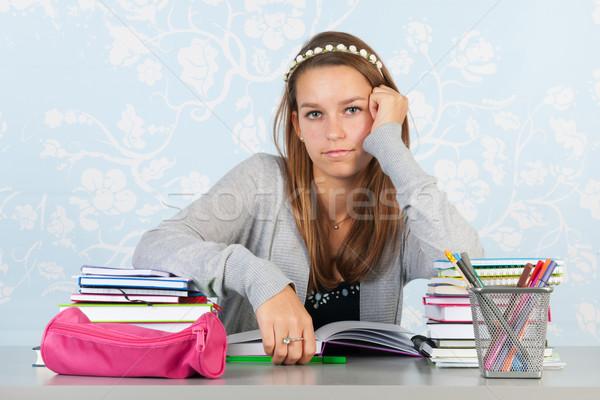 подростка девушка домашнее задание сидят столе школы девушки Сток-фото © ivonnewierink