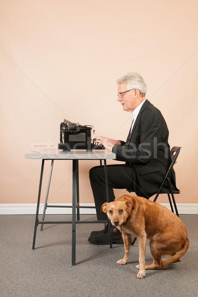 Stock fotó: Idős · férfi · antik · írógép · ír · fekete