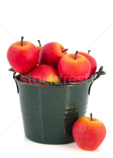 Groene emmer Rood appels oude metaal Stockfoto © ivonnewierink