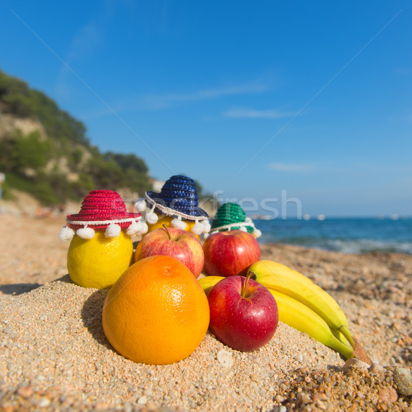 Spanyol válogatás gyümölcs tengerpart friss szombréró Stock fotó © ivonnewierink