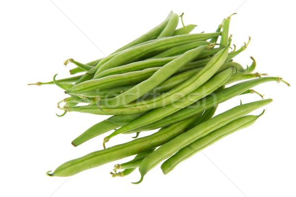Vers groene bonen ruw geïsoleerd witte achtergrond Stockfoto © ivonnewierink