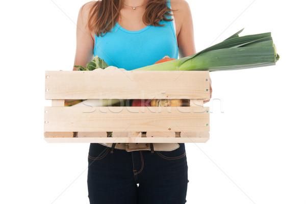 Lány láda zöldségek hordoz válogatás fából készült Stock fotó © ivonnewierink