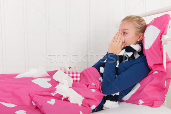 больным подростку девушки сморкании подростка девушка Сток-фото © ivonnewierink