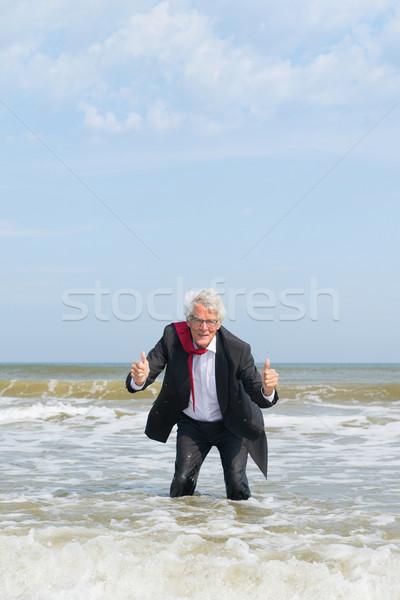 Stock fotó: Idős · üzletember · víz · áll · tenger · üzlet