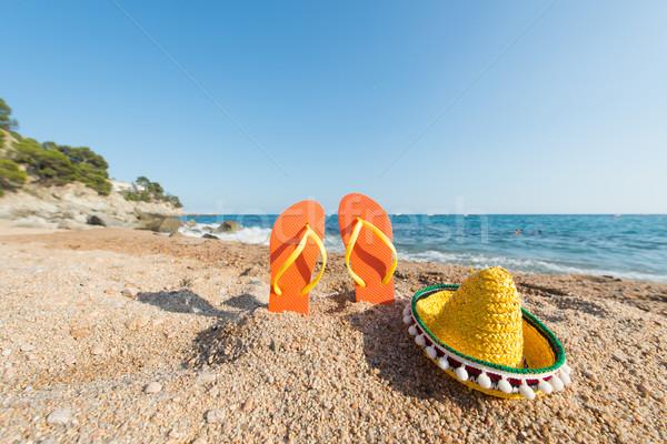 Papucs spanyol tengerpart csetepaté színes tájkép Stock fotó © ivonnewierink