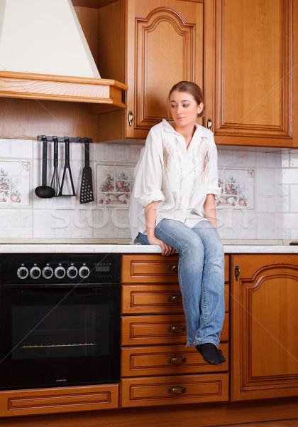 Yalnızlık yalnız kız oturma mutfak masası güzellik Stok fotoğraf © ivz