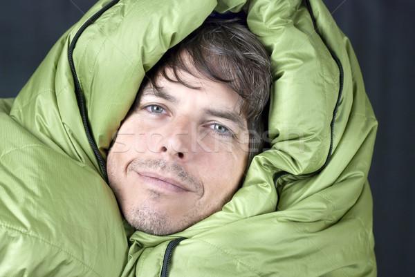 Gelukkig man slapen zak omhoog Stockfoto © jackethead