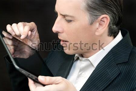Zakenman tablet kant profiel man Stockfoto © jackethead
