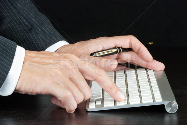 ビジネスマン コンピュータのキーボード クローズアップ プッシング コンピュータ ストックフォト © jackethead