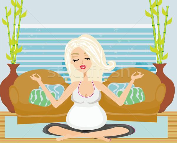 Yoga hamile kadın kadın kız gülümseme mutlu Stok fotoğraf © JackyBrown