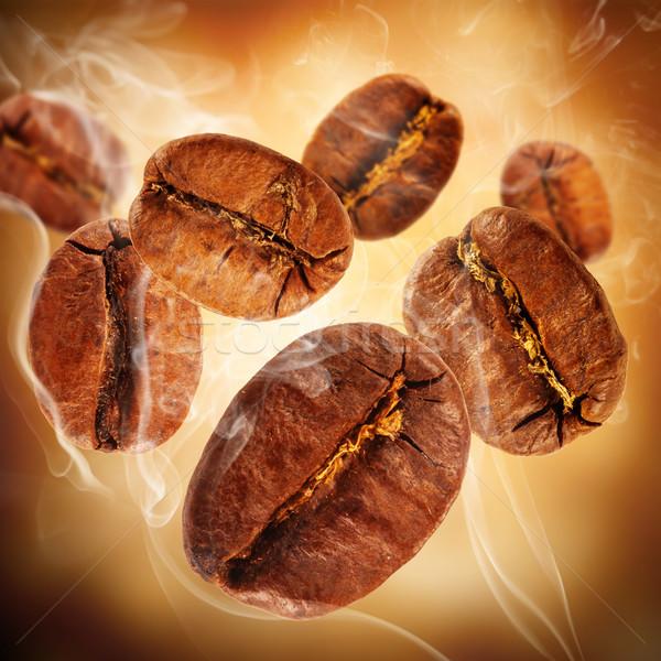 Café battant grains de café fumée fond café Photo stock © Jag_cz