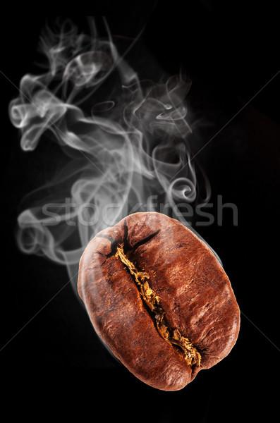Café battant grain de café fumée isolé noir Photo stock © Jag_cz