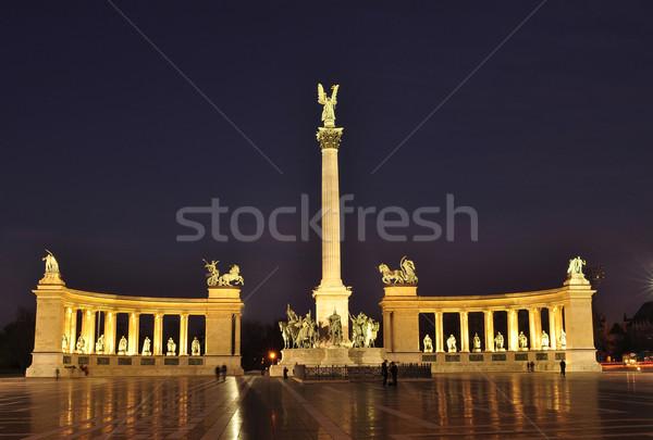 Hősök tér éjszaka Budapest Magyarország város Stock fotó © jakatics