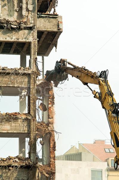 Yıkım eski evler ev şehir çalışmak Stok fotoğraf © jakatics