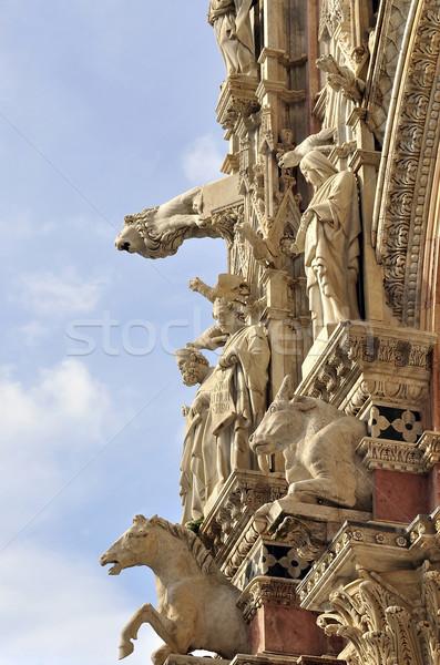 Yaşayan katedral anıtlar hayvanlar güzel Stok fotoğraf © jakatics