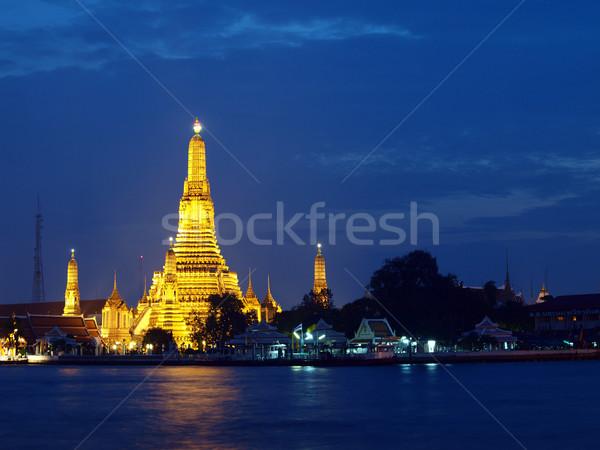 Eski tapınak tan Bangkok Tayland su Stok fotoğraf © jakgree_inkliang