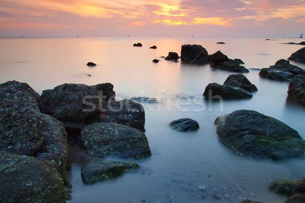 Manzara deniz dalga kaya gün batımı doğa Stok fotoğraf © jakgree_inkliang