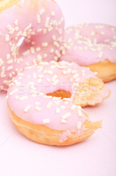 Donuts maison rose cerise peu profond Photo stock © jamdesign