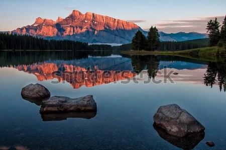 Dağ yansıma göl gündoğumu turuncu park Stok fotoğraf © jameswheeler