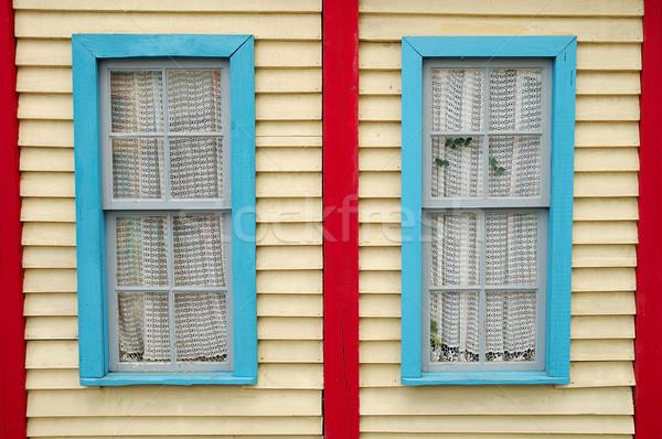 Photo stock: Bois · mur · fenêtres · deux · fond · fenêtre