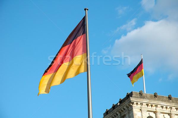 Drapeaux Berlin Allemagne ciel bleu pavillon Photo stock © janhetman