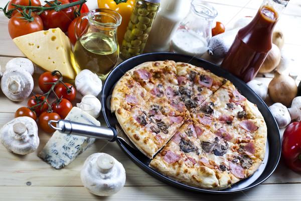 Italiano pizza sabroso naturales alimentos hoja Foto stock © JanPietruszka