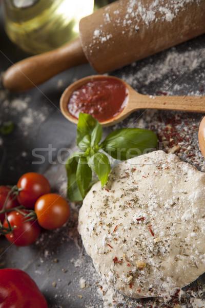 Pizza salsa de tomate frescos sabroso casero preparación Foto stock © JanPietruszka
