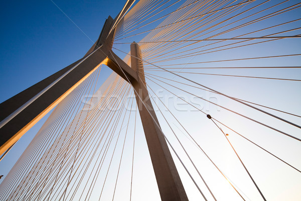 Moderna puente mojón vista cielo edificio Foto stock © JanPietruszka