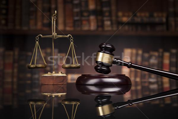 Prawa sprawiedliwości brązowy sędzia skali Zdjęcia stock © JanPietruszka