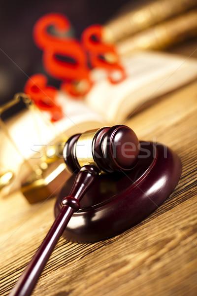 Yargıç tokmak paragraf imzalamak simge ahşap Stok fotoğraf © JanPietruszka