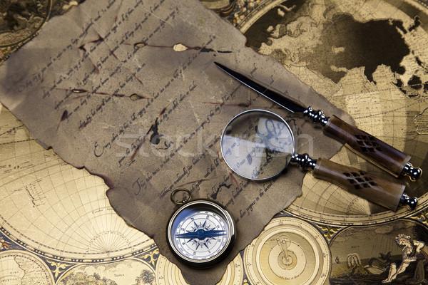 Vintage navegação equipamento bússola papel mapa Foto stock © JanPietruszka